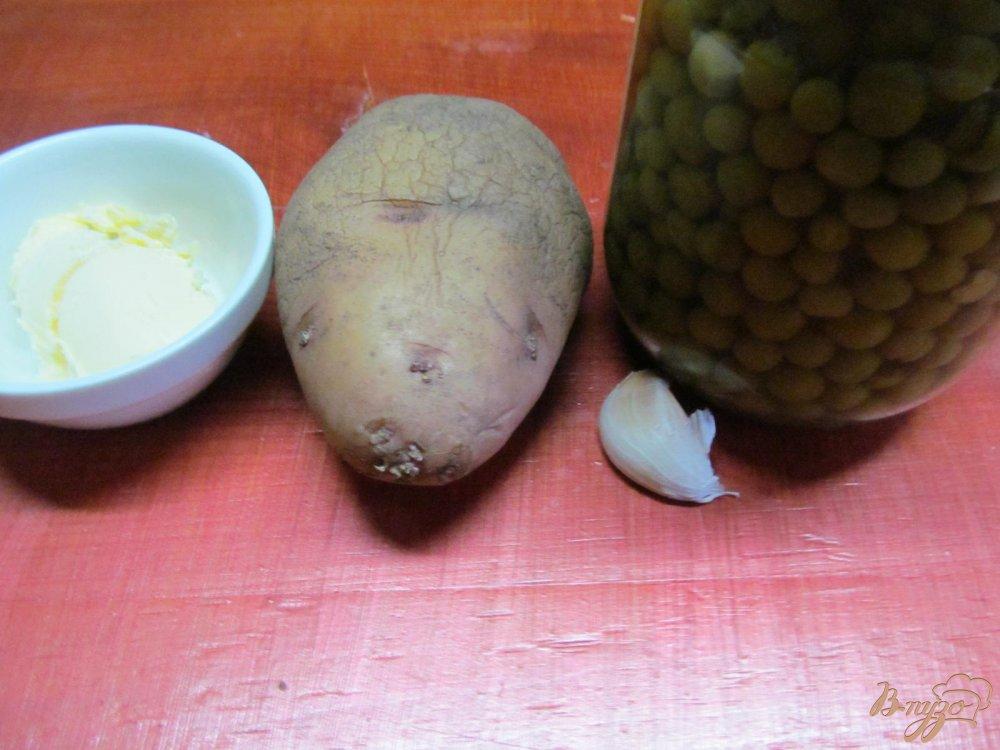 Фото приготовление рецепта: Картофель с горошком шаг №1