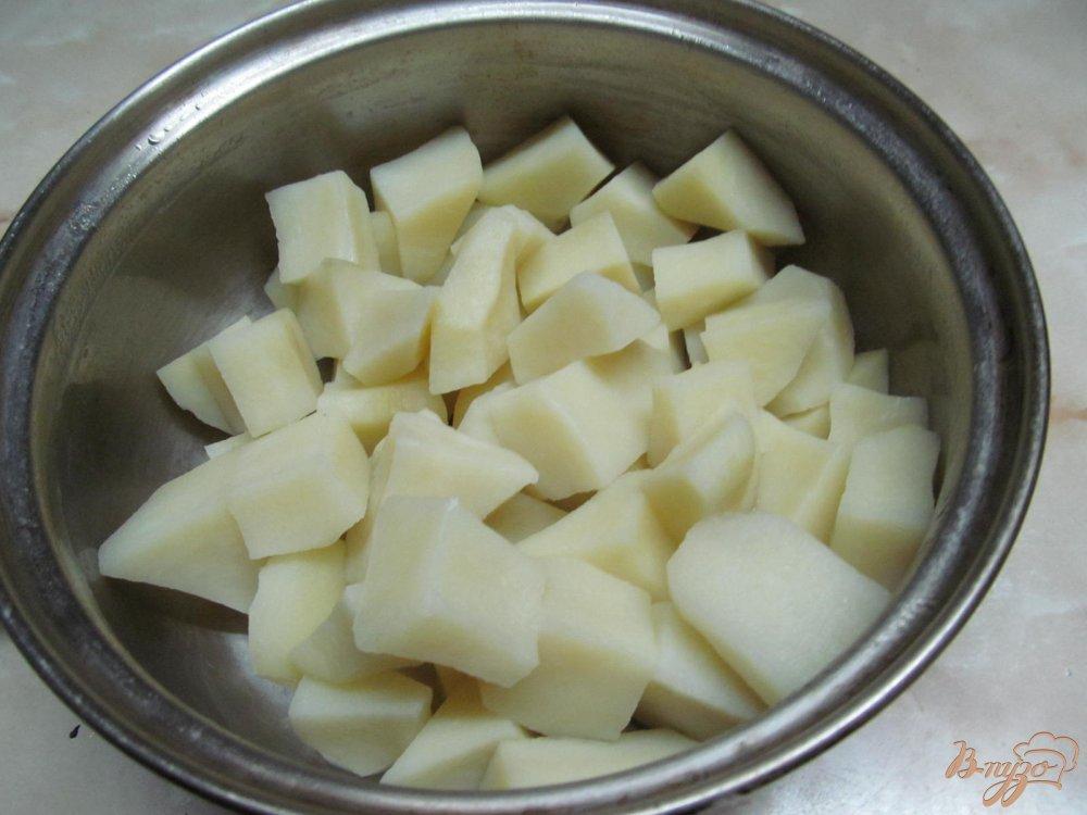 Фото приготовление рецепта: Картофель с горошком шаг №5