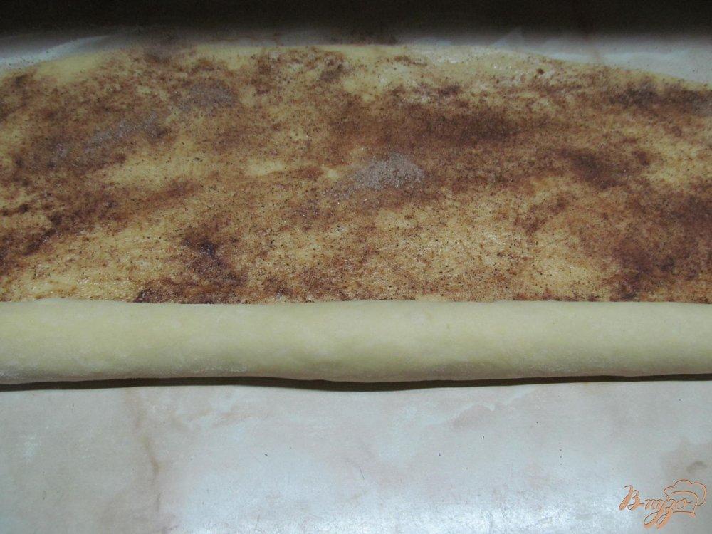 Фото приготовление рецепта: Булочки Синнабон шаг №6