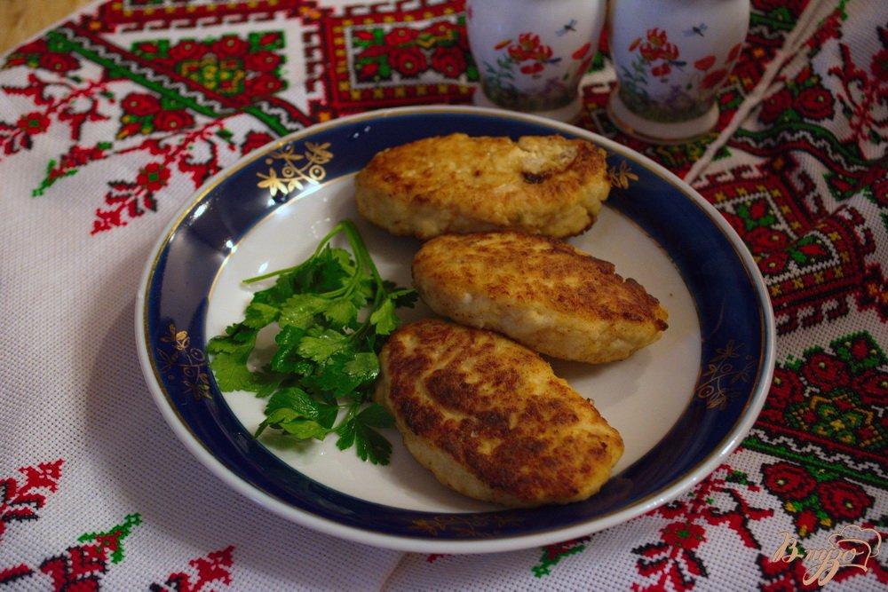 Фото приготовление рецепта: Куриные котлеты с кефиром шаг №6