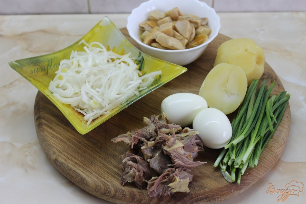 Фото приготовление рецепта: Салат Мопс шаг №1