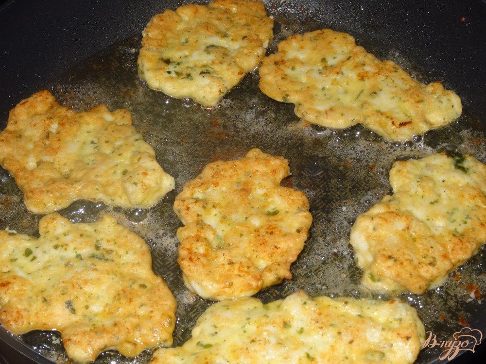 Фото приготовление рецепта: Рубленые котлеты из куриного филе шаг №5
