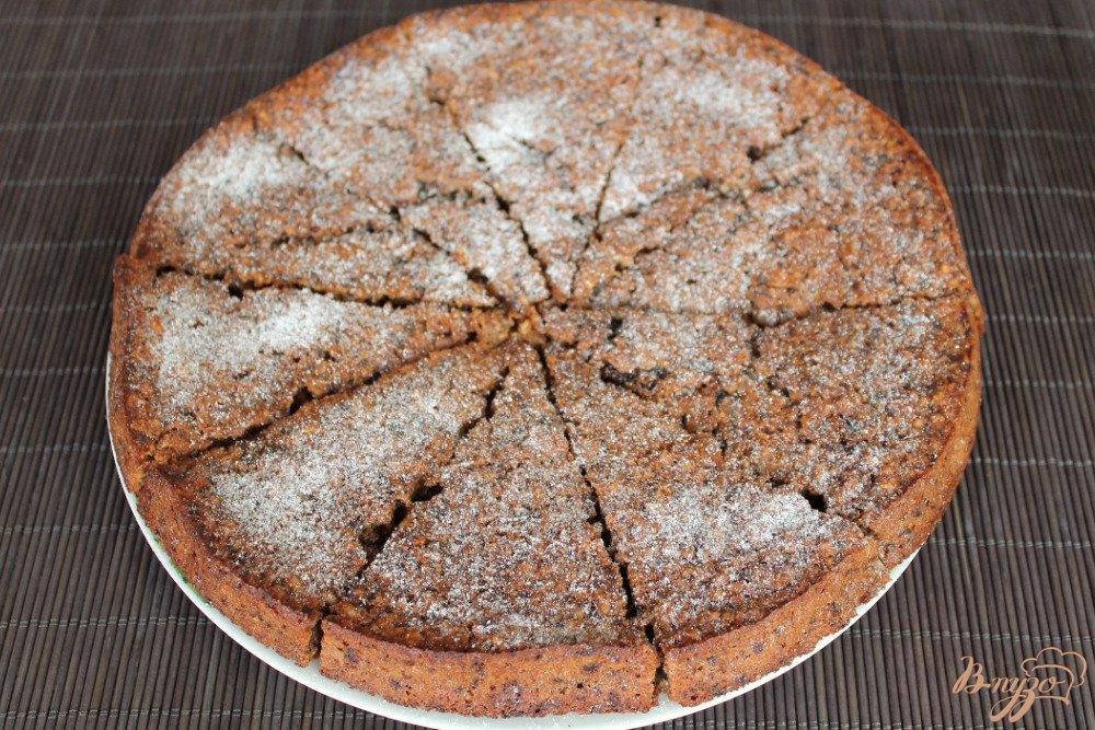Фото приготовление рецепта: Овсяный пирог с орехами шаг №8