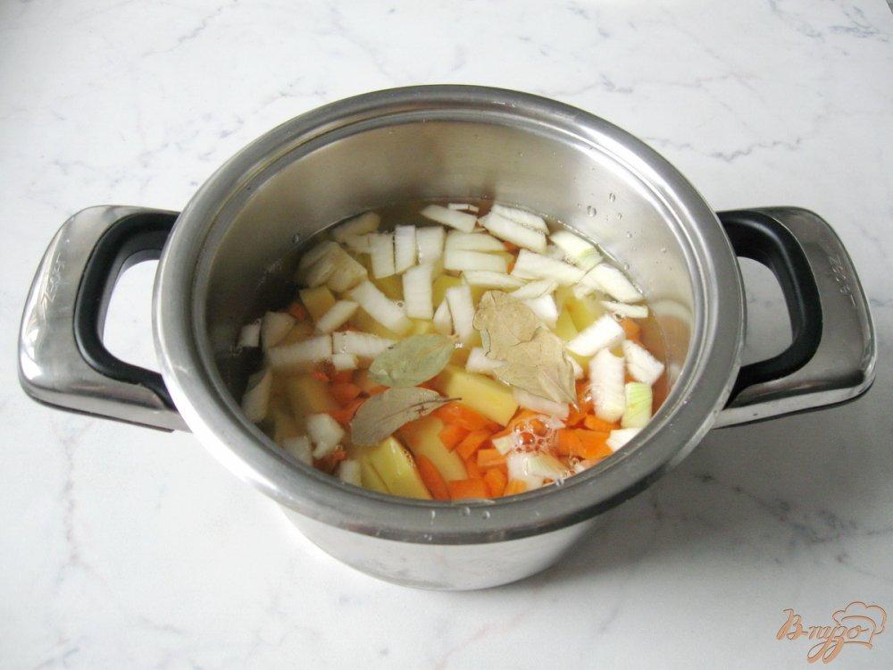 Фото приготовление рецепта: Суп-пюре из шампиньонов шаг №3