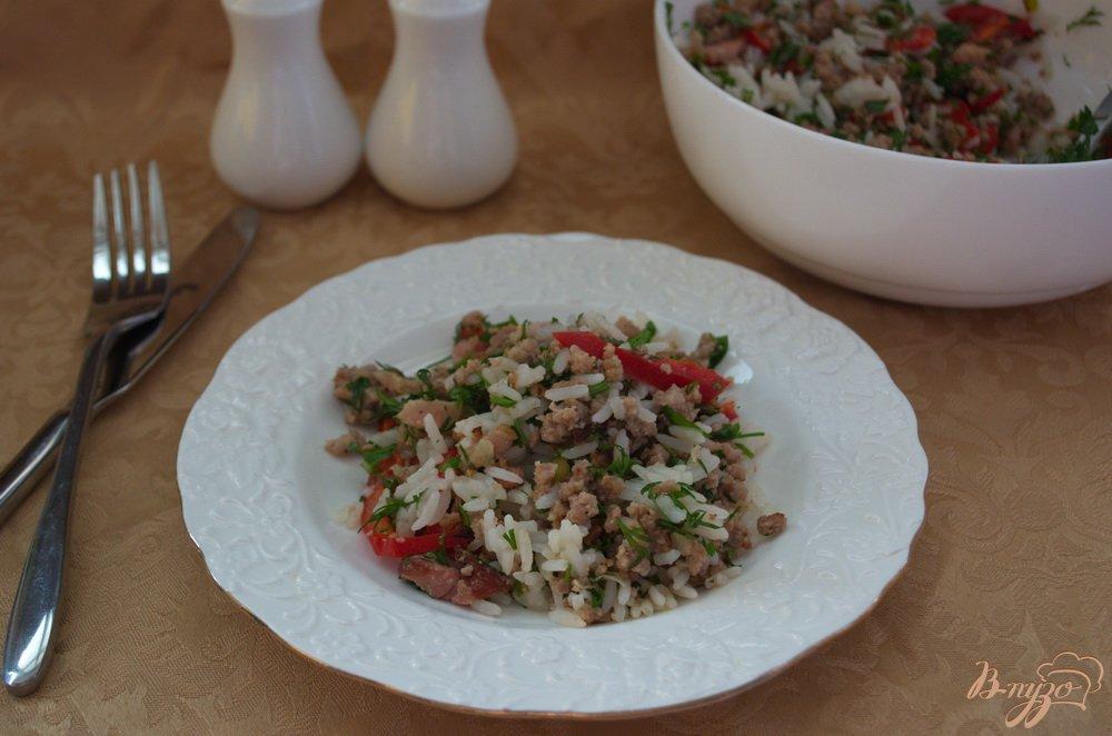 Фото приготовление рецепта: Салат с фаршем и перцем шаг №6