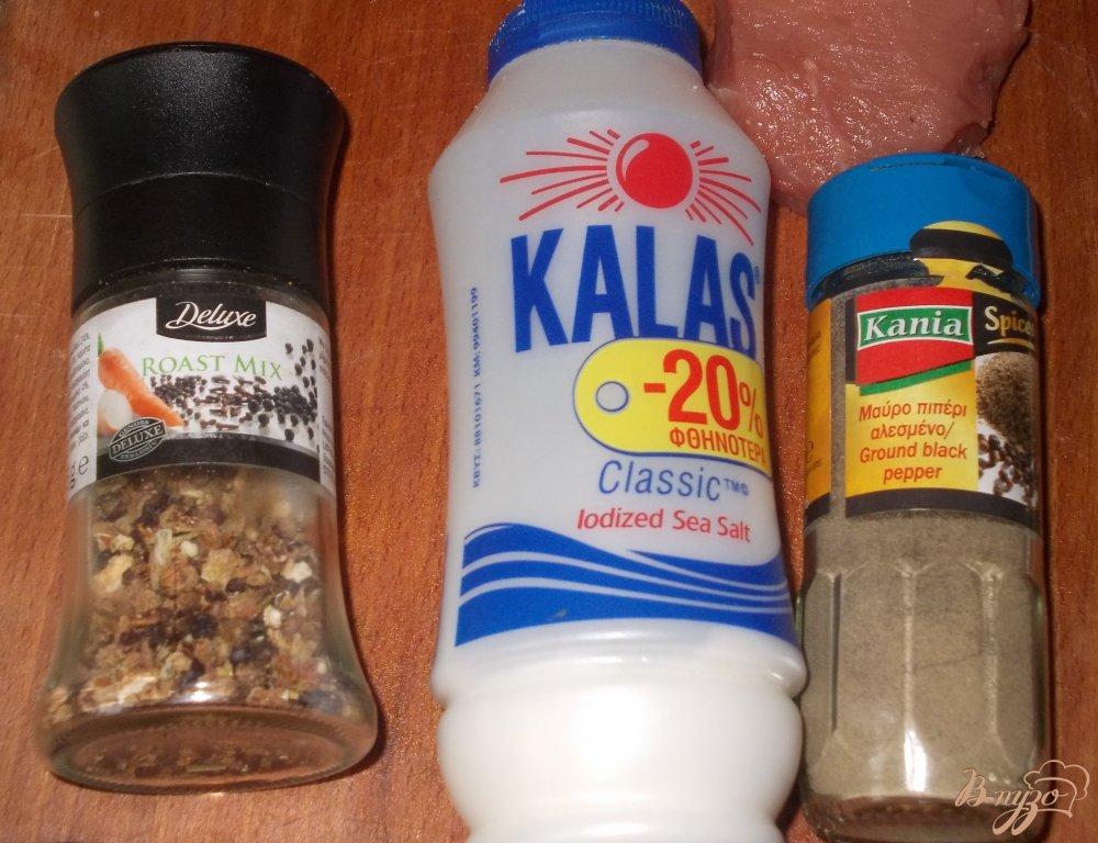 Фото приготовление рецепта: Говяжий стейк с перечным соусом шаг №2