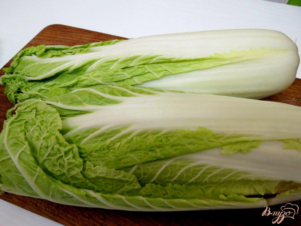 Фото приготовление рецепта: Тушёная пекинская капуста с макаронами спиральками. шаг №2
