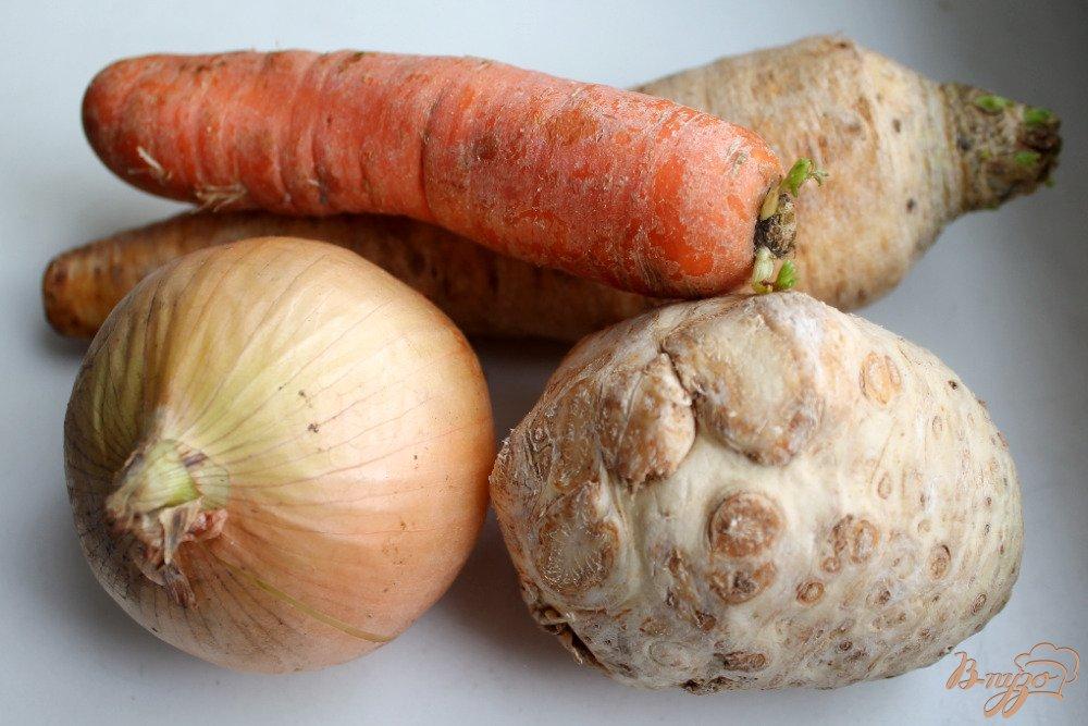 Фото приготовление рецепта: Говядина с корнеплодами шаг №3