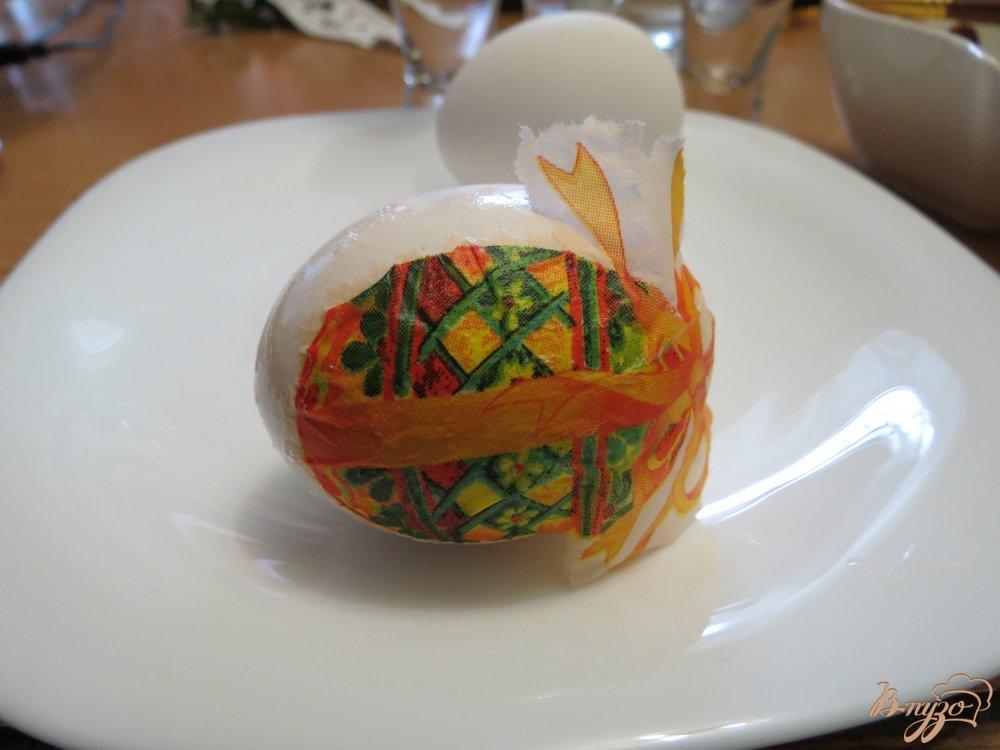 Фото приготовление рецепта: Яйца пасхальные (оформлены в технике декупаж) шаг №5