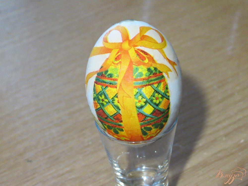 Фото приготовление рецепта: Яйца пасхальные (оформлены в технике декупаж) шаг №9