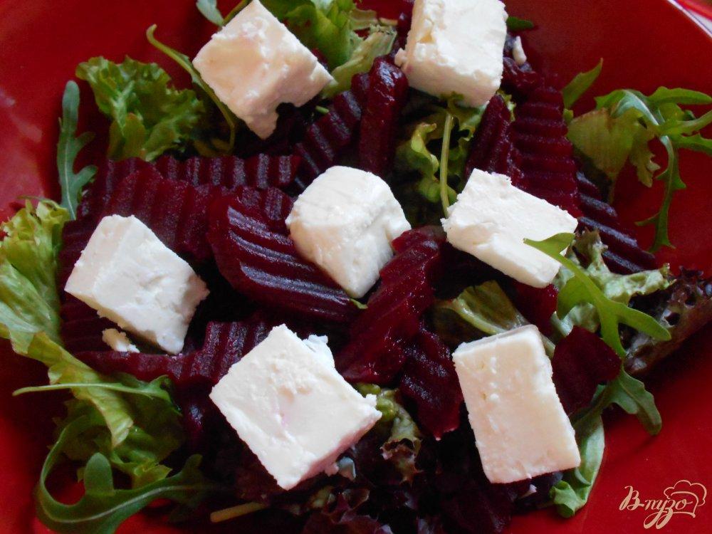 Салат из свеклы с копченым сыром