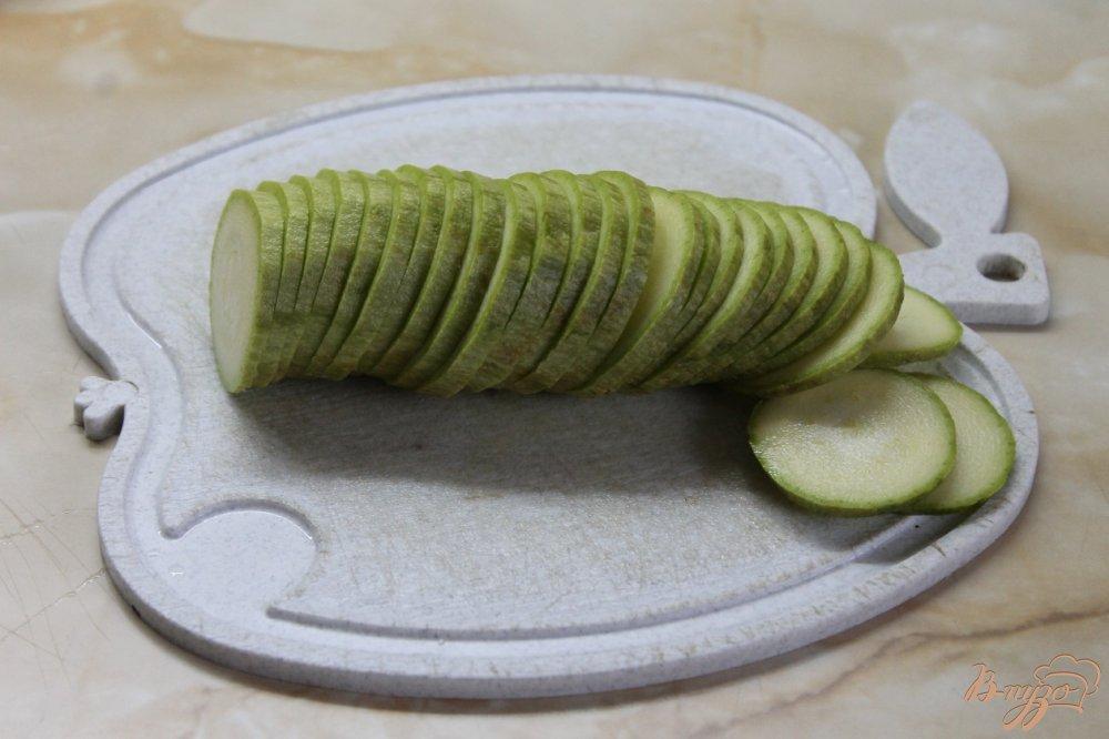 Фото приготовление рецепта: Цукини под чесночным соусом шаг №2