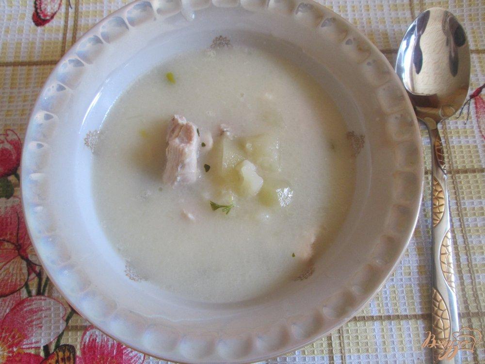 Фото приготовление рецепта: Сырный суп с курицей шаг №6