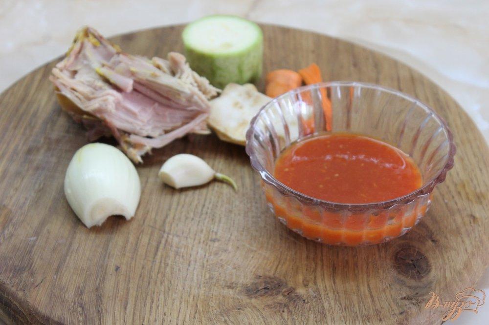 Фото приготовление рецепта: Минестроне с копченой курицей шаг №1