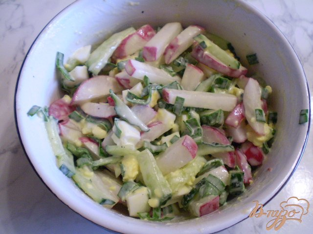 Фото приготовление рецепта: Весенний салат шаг №7