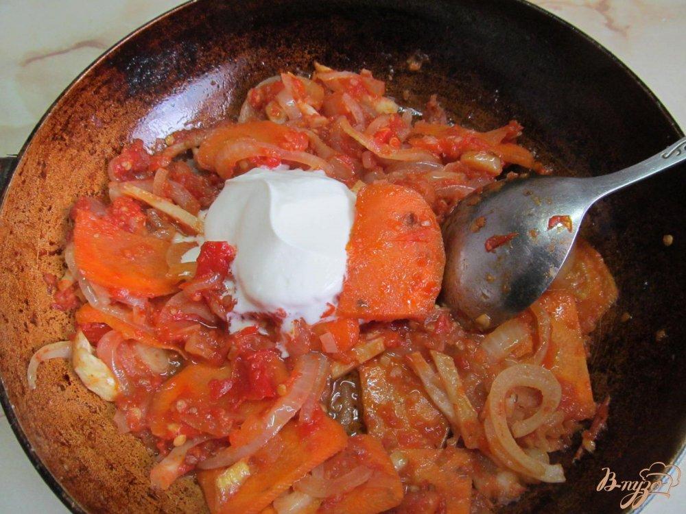 Фото приготовление рецепта: Щука в сметанном соусе шаг №6