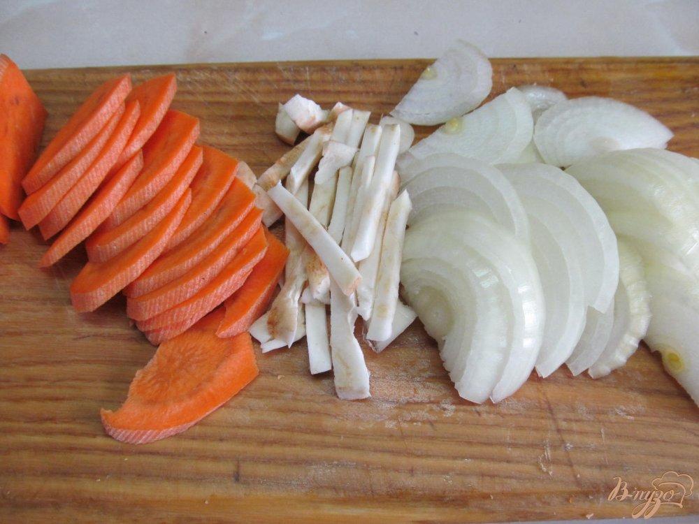 Фото приготовление рецепта: Щука в сметанном соусе шаг №2