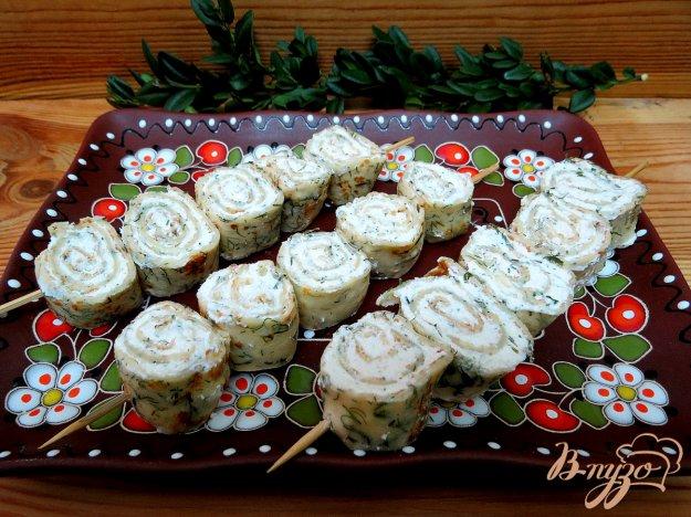 фото рецепта: Творожно - блинные закусочные шашлычки