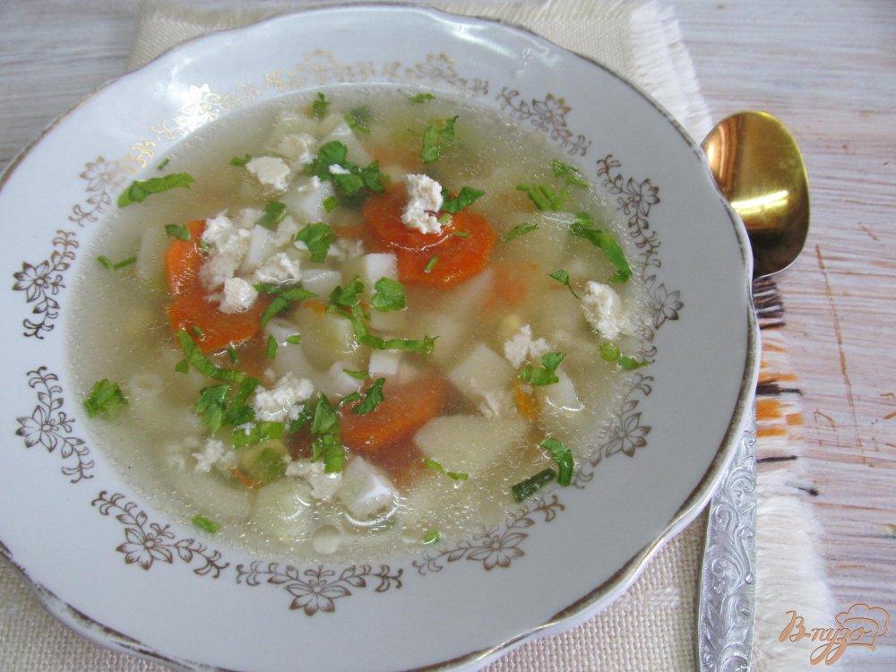 Фото приготовление рецепта: Суп с яйцом и брынзой шаг №5