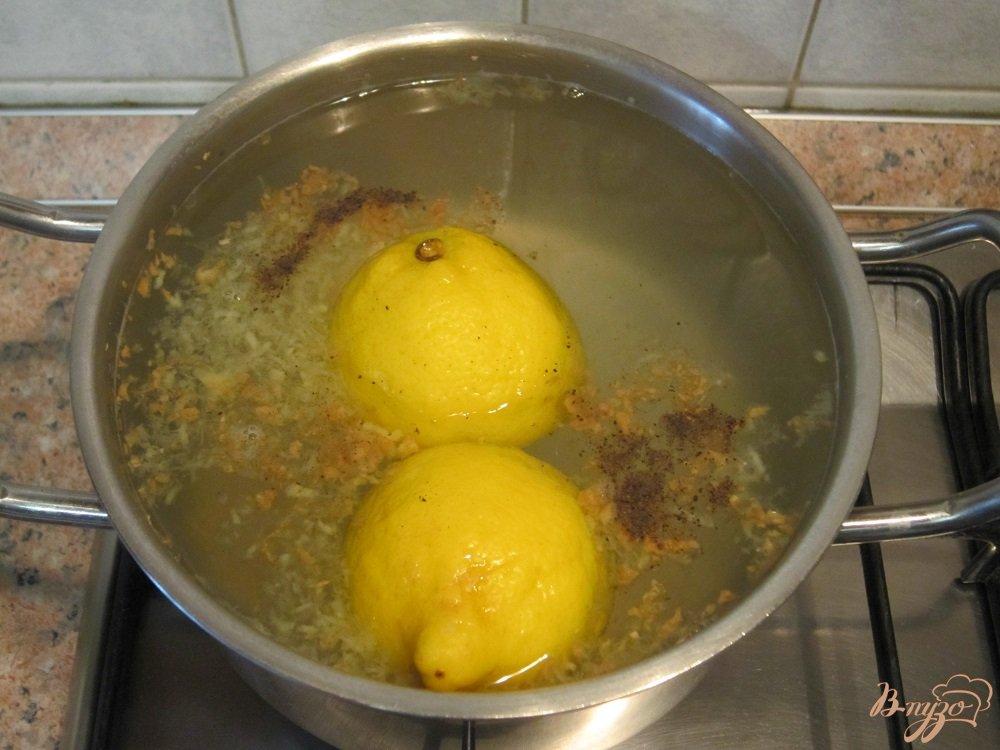 Фото приготовление рецепта: Чай с имбирем и лимоном шаг №6