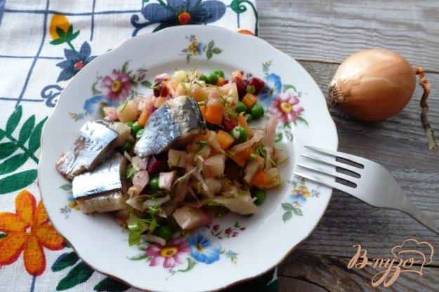 фото рецепта: Винегрет с копченой сайрой
