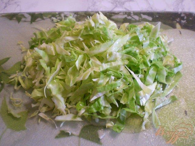Фото приготовление рецепта: Салат из свежих овощей шаг №4