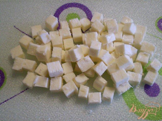 Фото приготовление рецепта: Салат Чайка с огурцами маринованными шаг №3