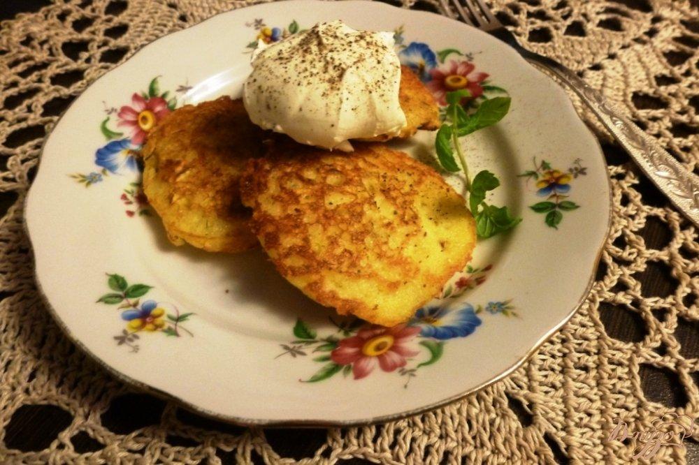 Фото приготовление рецепта: Оладьи дрожжевые с кабачком шаг №7