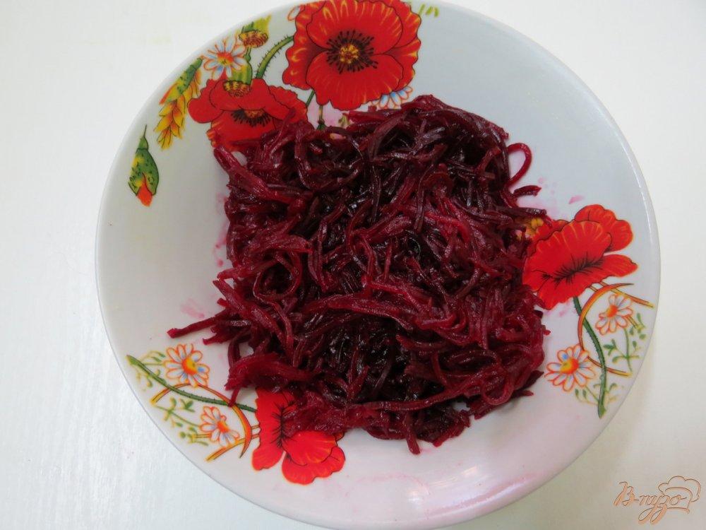 Фото приготовление рецепта: Красный борщ с грибами и черемшой шаг №4