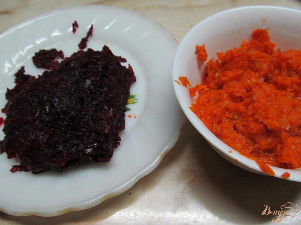 Фото приготовление рецепта: Салат из сердца свеклы яблока арахиса шаг №3