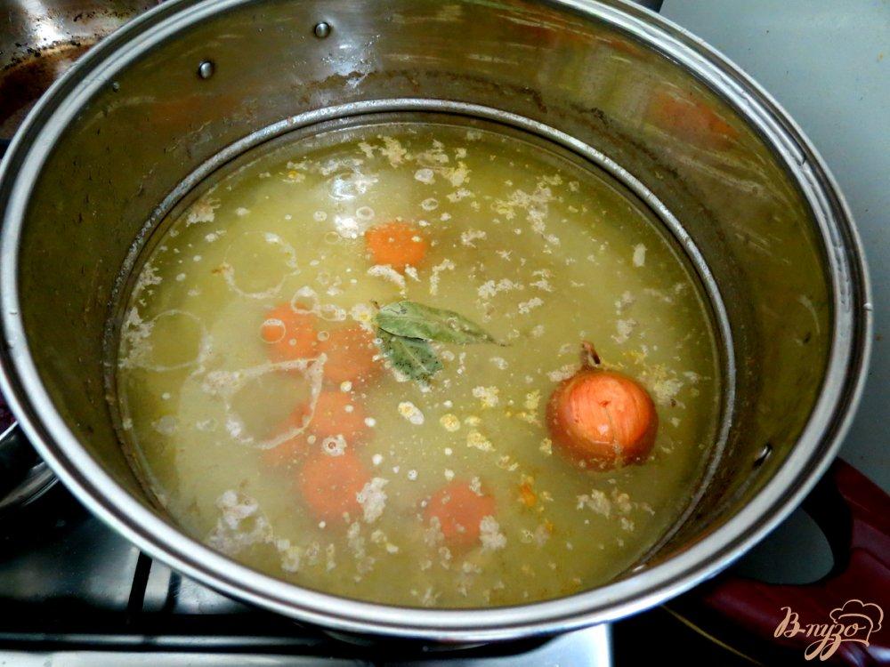 Фото приготовление рецепта: Бульон куриный шаг №5