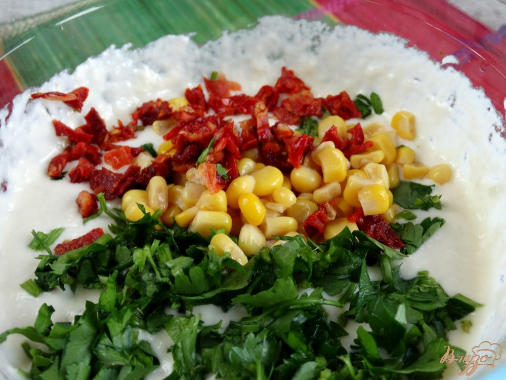 Фото приготовление рецепта: Закусочные оладьи Светофор шаг №5