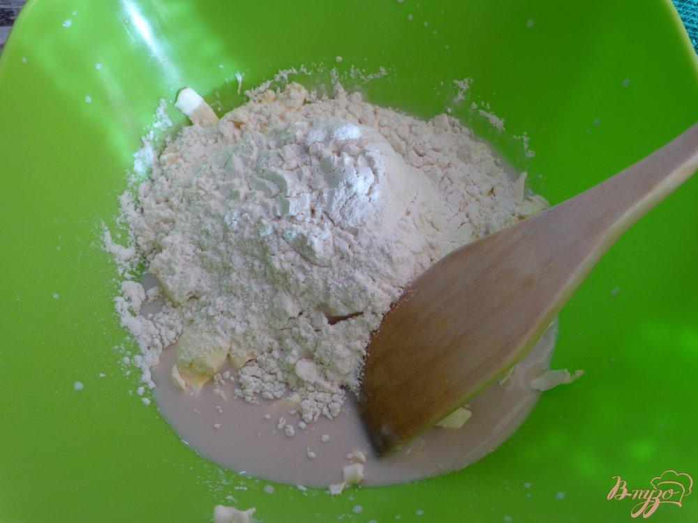 Фото приготовление рецепта: Хлебные булочки с маком и кунжутом шаг №3