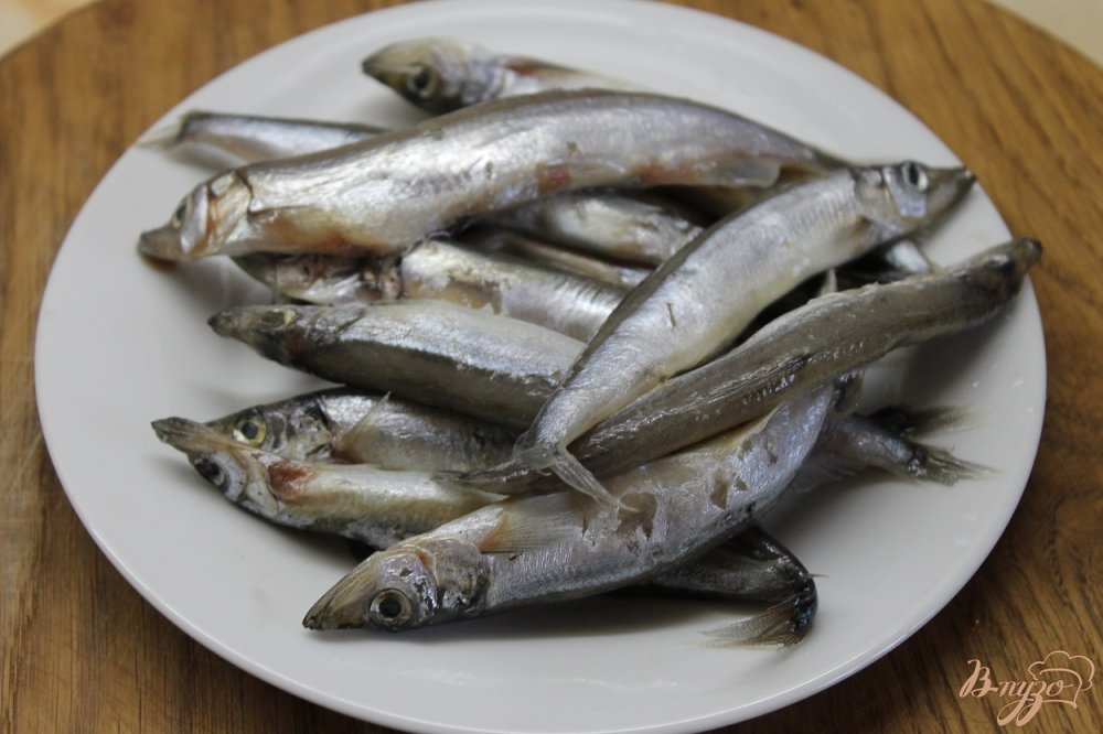 Фото приготовление рецепта: Мойва соленая в домашних условиях без воды шаг №1