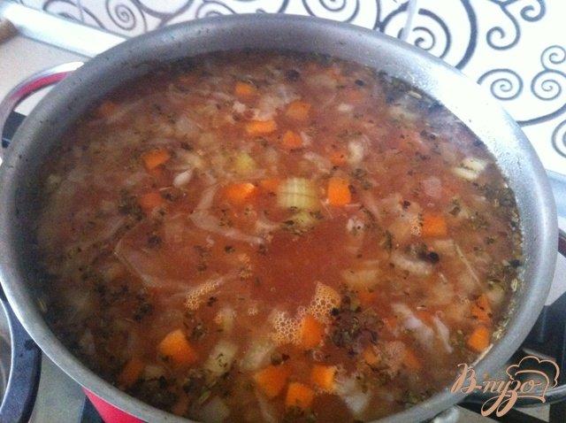 Фото приготовление рецепта: Щи из свежей капусты с сельдереем шаг №6
