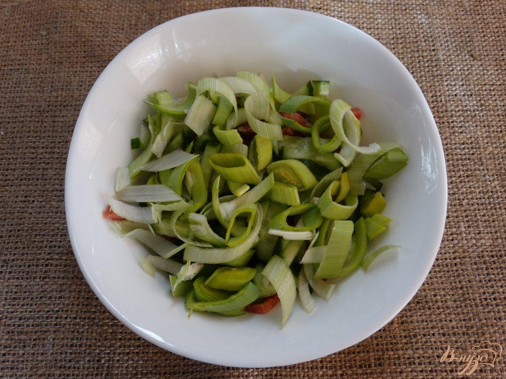рецепт салат с омлетом и колбасой рецепт