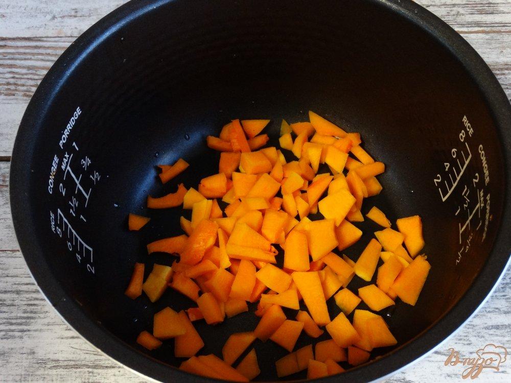 Фото приготовление рецепта: Тыквенно-кукурузная каша в мультиварке шаг №2