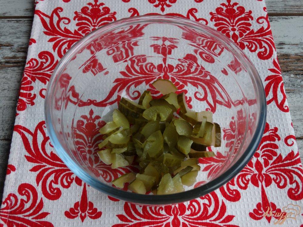 Фото приготовление рецепта: Салат с фасолью кукурузой и ветчиной шаг №1
