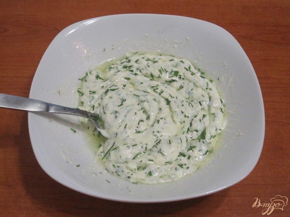 Фото приготовление рецепта: Заправка с чесноком шаг №6