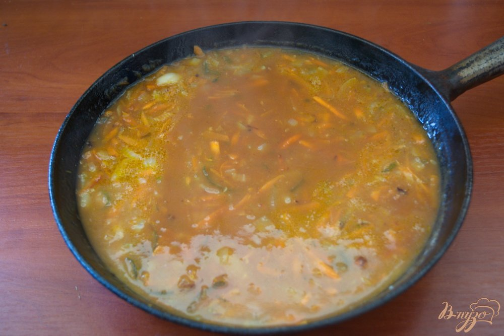 Фото приготовление рецепта: Студенческая солянка без бульона шаг №8