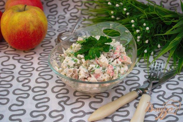фото рецепта: Салат с крабовыми, рисом и грибами