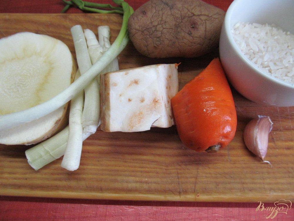 Фото приготовление рецепта: Томатный суп карри шаг №1
