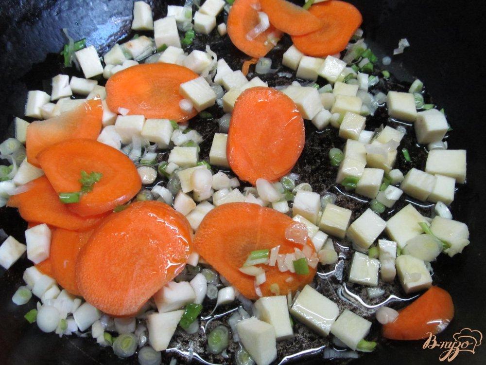 Фото приготовление рецепта: Томатный суп карри шаг №5