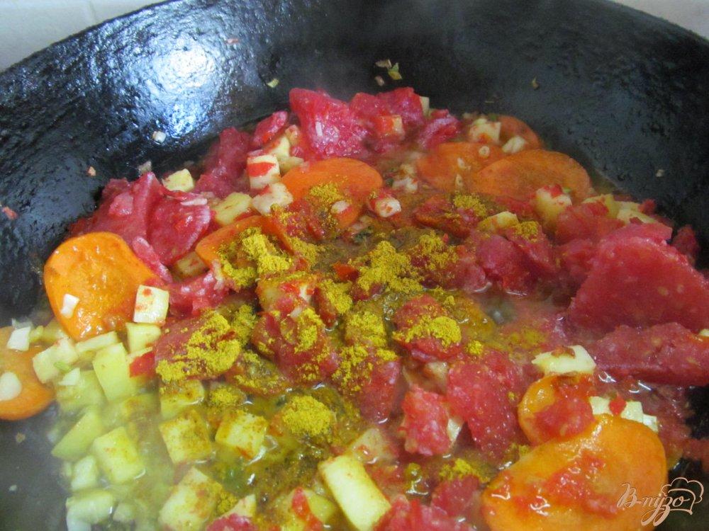 Фото приготовление рецепта: Томатный суп карри шаг №7