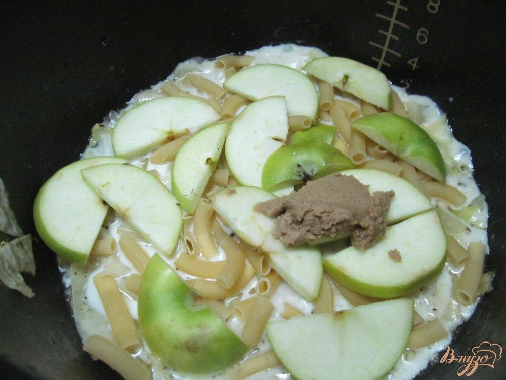 Фото приготовление рецепта: Курица с капустой в горчичном соусе шаг №10