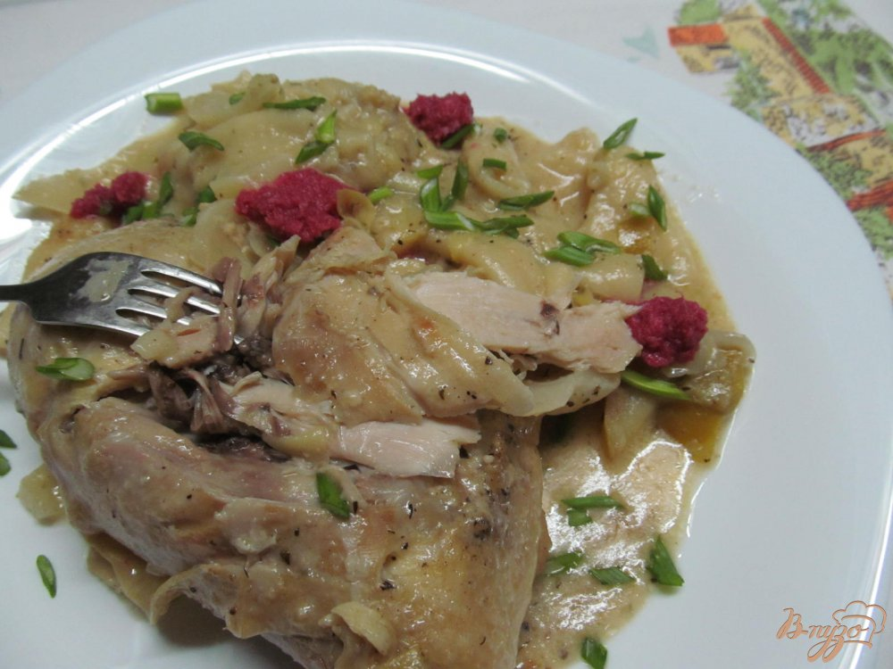 Фото приготовление рецепта: Курица с капустой в горчичном соусе шаг №13