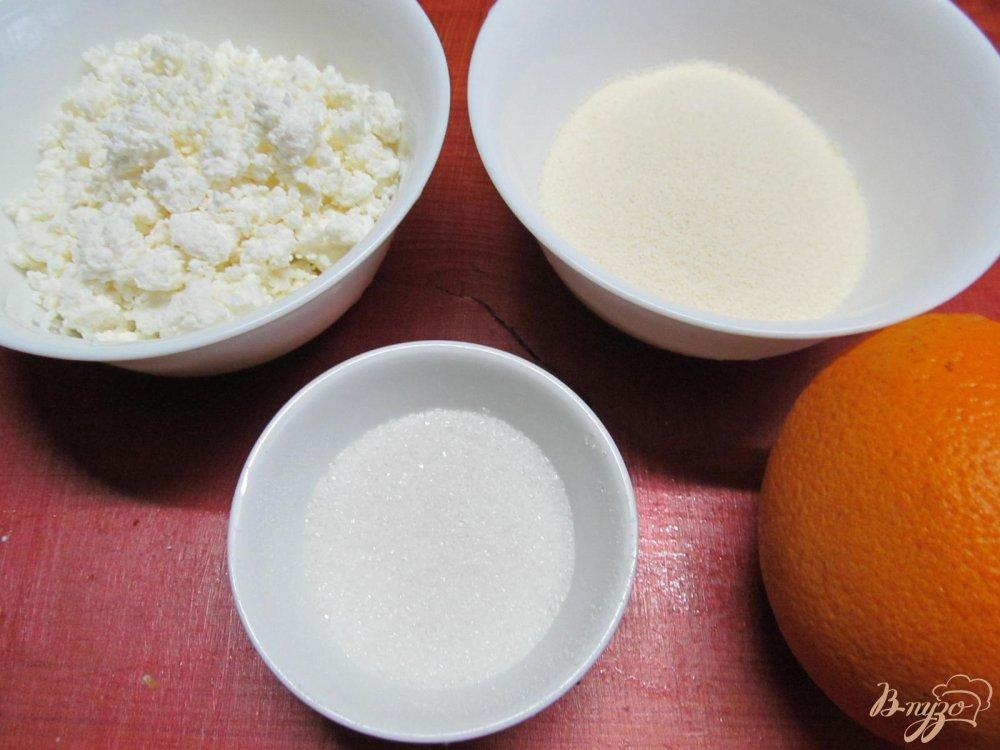 Фото приготовление рецепта: Десерт из манки и апельсина шаг №1