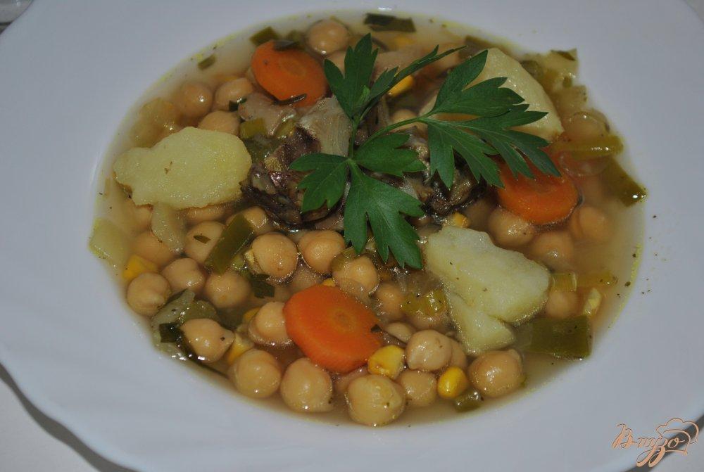 Фото приготовление рецепта: Суп с кукурузой и горохом нут шаг №11