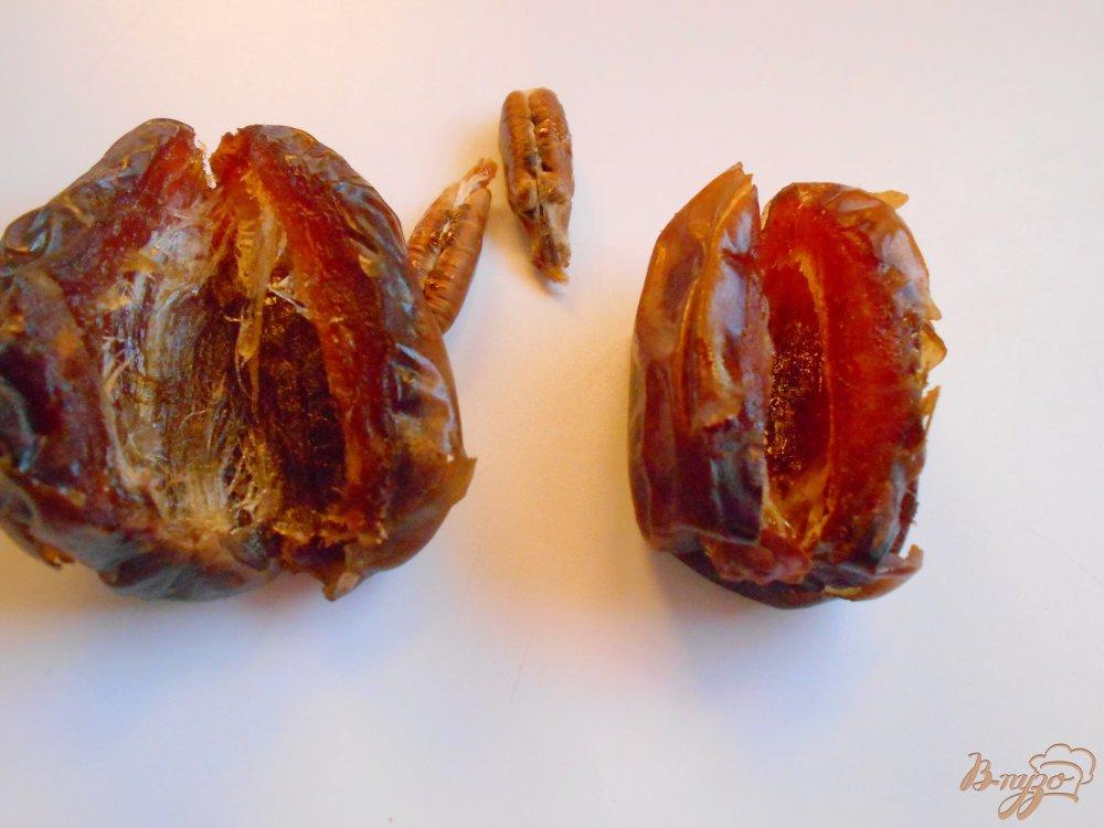 Фото приготовление рецепта: Фаршированные финики в апельсиновом маринаде шаг №2