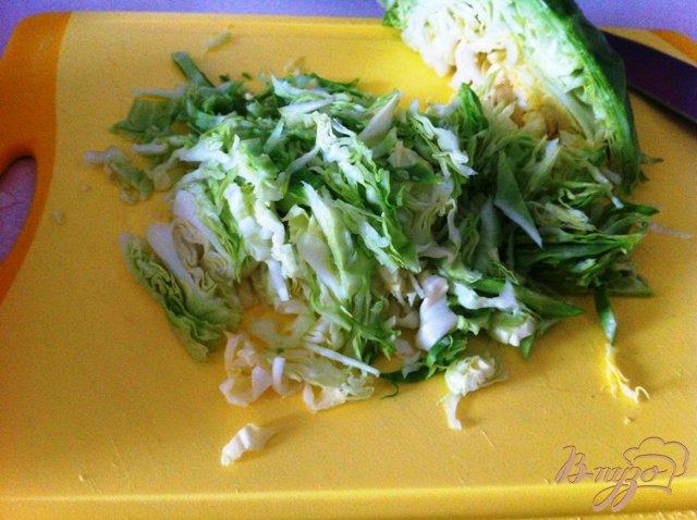 Салат из молодой капусты с овощами